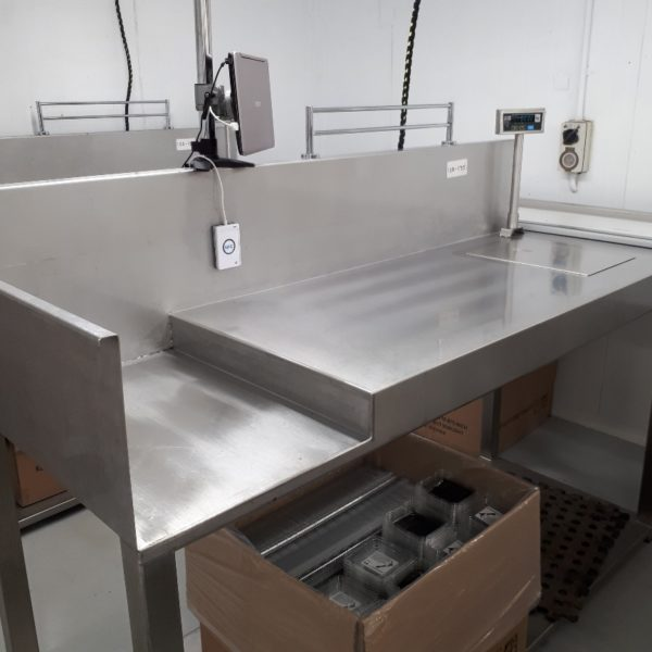 Weighing and filling - Packing Tables by EQM Industrial